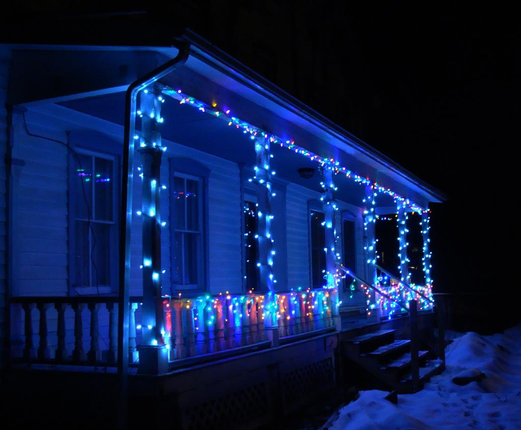 Christmas Lights On Porch 12 14 2009